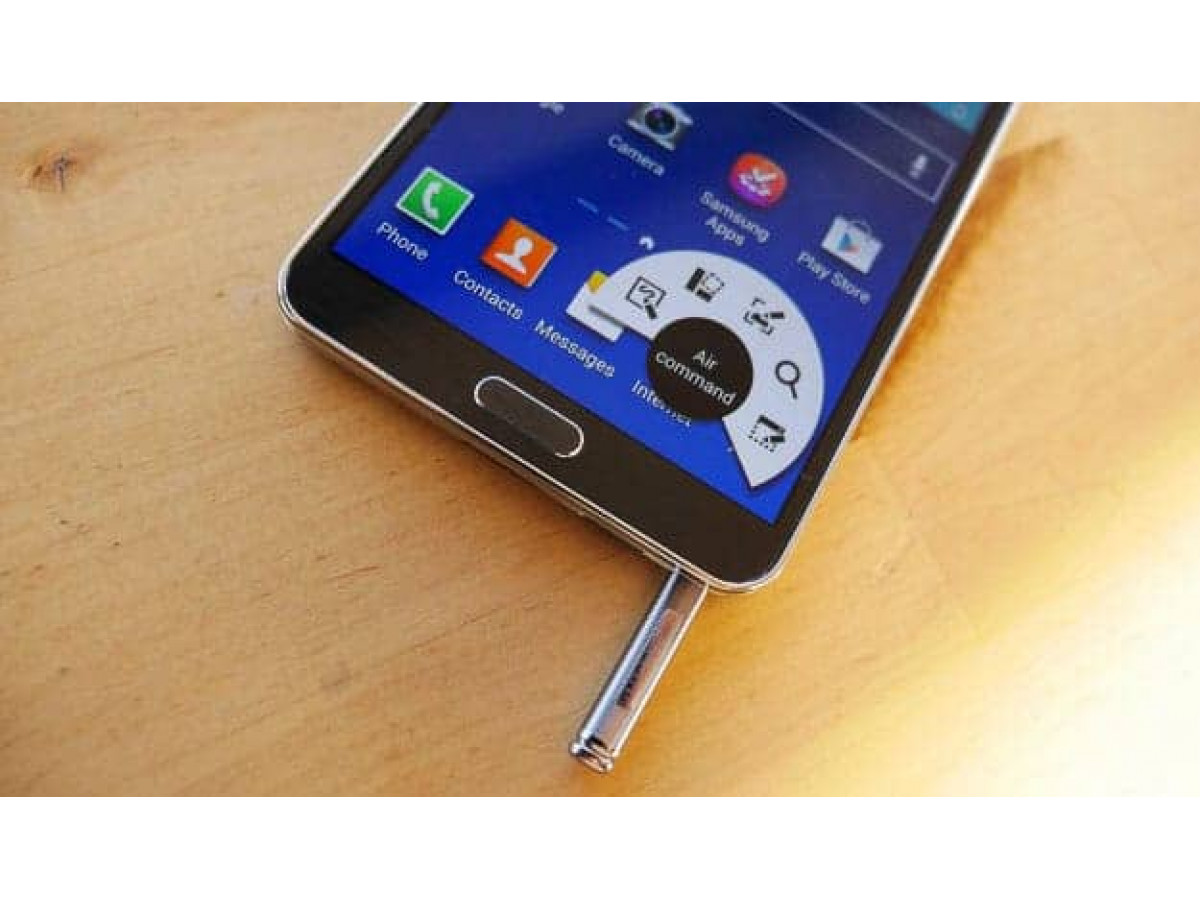 В Сеть были обнаружены характеристики смартфонов Galaxy Note 5 и Note 5 Edge